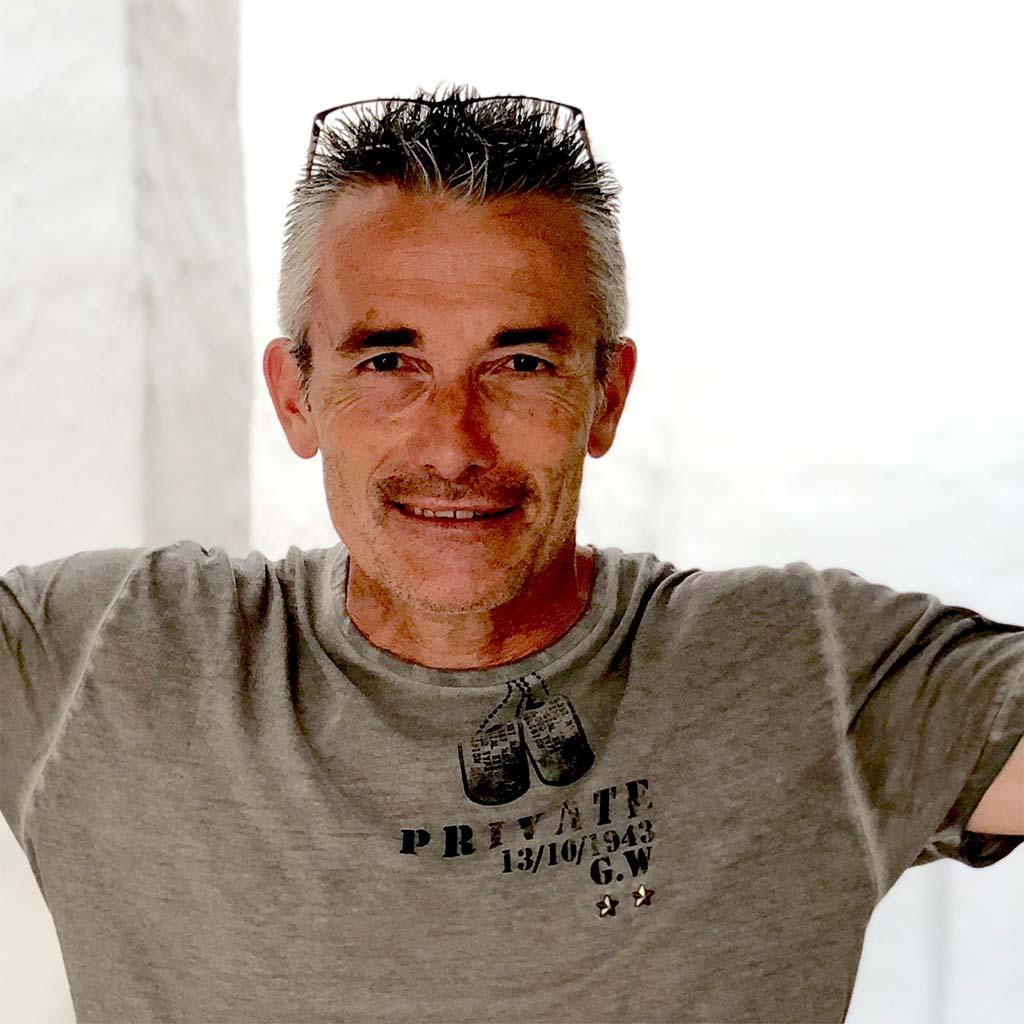 Carmelo Martínez